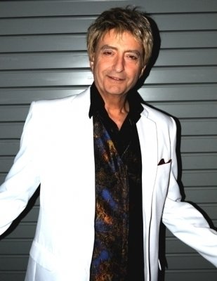 photo-picture-image-barry-manilow-celebrity-look-alike-lookalike-impersonator-clone-j-4