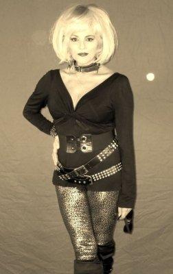 photo-picture-image-debbie-deborah-harry-blondie-celebrity-look-alike-lookalike-impersonator-clone-tribute-e1