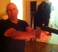 photo-picture-image-Bruce-Willis-celebrity-look-alike-lookalike-impersonator-33a