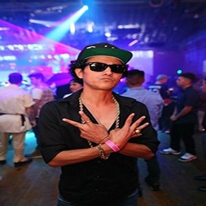 photo-picture-image-bruno-mars-celebrity-lookalike-look-alike-impersonator-tribute-artist-clone-2