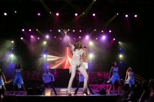 photo-picture-image-celine-dion-celebrity-look-alike-lookalike-impersonator-tribute-artist-a-5