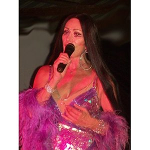 photo-picture-image-cher-celebrity-lookalike-look-alike-impersonator-clone-hm8