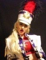 photo-picture-image-Gwen-Stefani-celebrity-look-alike-lookalike-impersonator-29c