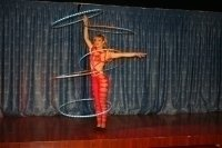 photo-picture-image-circus-act-hoop-show-balancing-act-hoppsre2