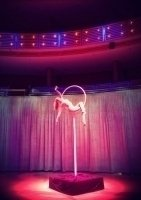 photo-picture-image-circus-act-hoop-show-balancing-act- lollipop1
