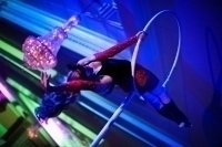 photo-picture-image-circus-act-hoop-show-balancing-act-lollipop2