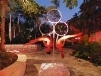 photo-picture-image-circus-act-hoop-show-balancing-act-lollipop3