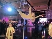 photo-picture-image-circus-act-hoop-show-balancing-act-lollipop8