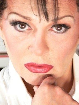 photo-picture-image-judy-garland-celebrity-lookalike-look-alike-impersonator-clone-j2