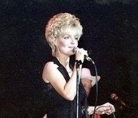 photo-picture-image-Karen-Carpenter-celebrity-look-alike-lookalike-impersonator-c