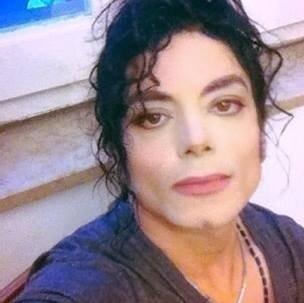 Michael Jackson Lookalike Impersonator Besser