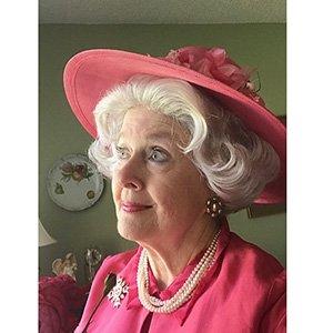 photo-picture-image-queen-elizabeth-celebrity-look-alike-lookalike-impersonator-clone-w2