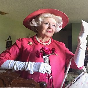 photo-picture-image-queen-elizabeth-celebrity-look-alike-lookalike-impersonator-clone-w6