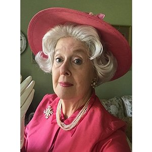 photo-picture-image-queen-elizabeth-celebrity-look-alike-lookalike-impersonator-clone-w8