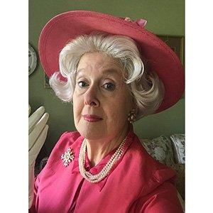 photo-picture-image-queen-elizabeth-celebrity-look-alike-lookalike-impersonator-clone-w8