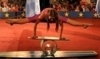 photo-picture-image-rola-bola-circus-act