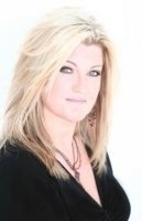 photo-picture-image-Trisha-Yearwood-celebrity-look-alike-lookalike-impersonator-a