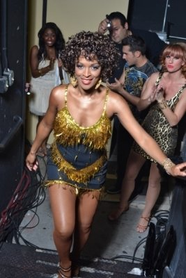 photo-picture-image-whitney-houston-celebrity-look-alike-lookalike-impersonator-clone-t4